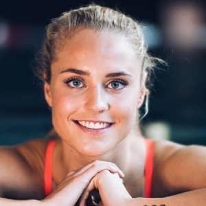 Sarah Bro