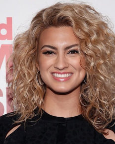 Know Everything About Tori Kelly: Age, Bio, Career, Rise to Fame, Parents, Net Worth, Height
